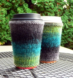 Tutorial: Quilted coffee cup cozy · Sewing | CraftGossip.com