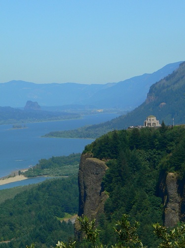 Vista House at Crown Point State Park